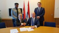 ​Minister Ferrier and State Secretary Knops sign 50 Million Guilder liquidity support loan